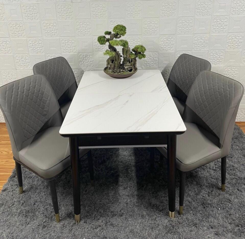 Bộ bàn ăn mặt đá thông minh kéo giãn kích thước 4 ghế da cho căn hộ tại HCM